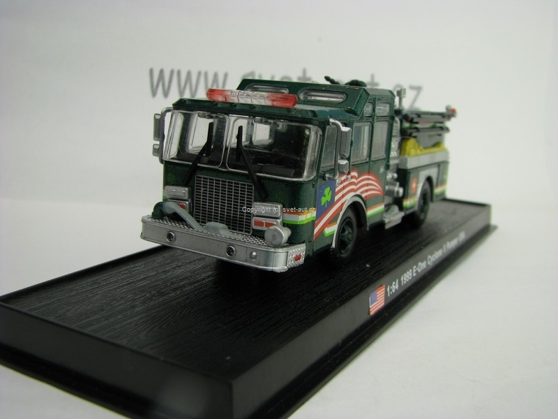 E-One Cyclone II Pumper USA 1999 edice Amercom 1:64